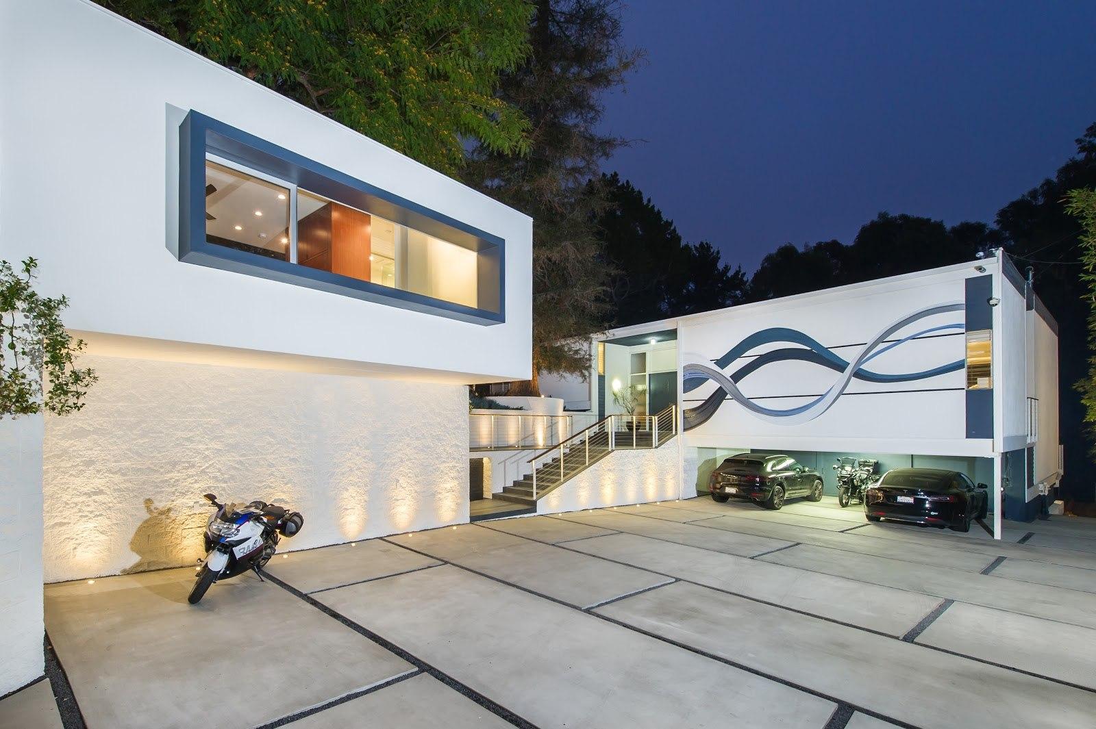 Kearsarge Residence